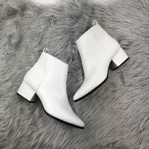 A new day white ankle booties size 6